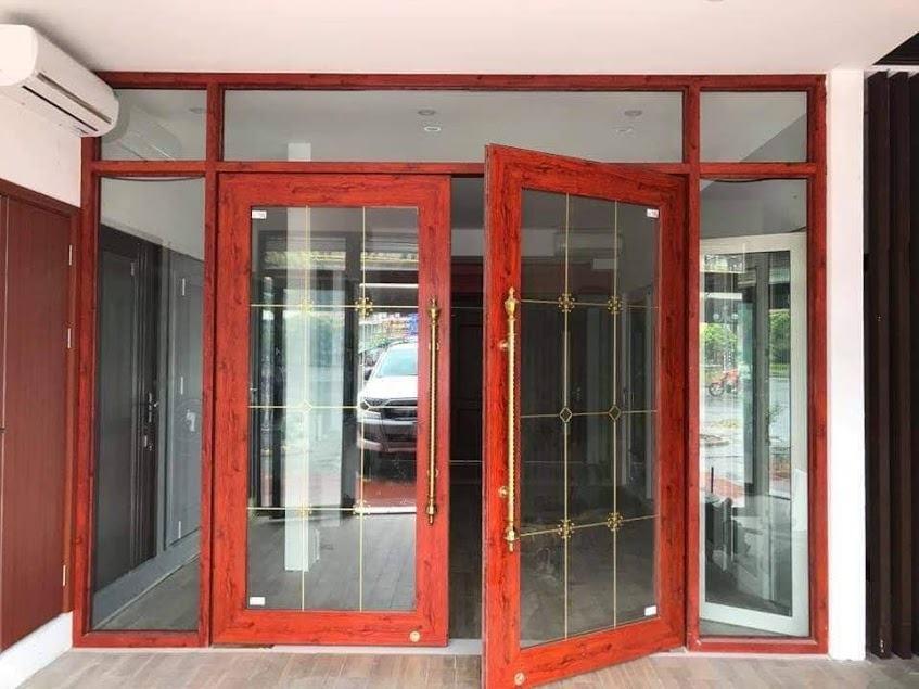 cửa nhôm thủy lực màu vân gỗ